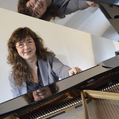 Elisabeth Lecoq, piano
